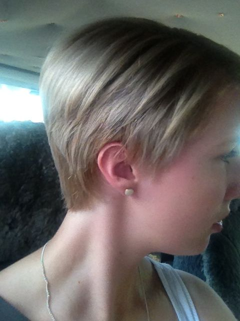 My own pixie cut, I have wanted one of these for the last year or so and finally took the jump! And I couldn't be happier!!