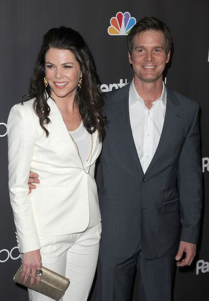 "Lauren Graham Photo - Premiere Of NBC Universal's ""Parenthood"" - Arrivals"