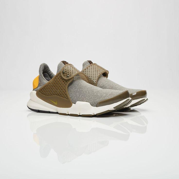 Nike Wmns Sock Dart SE - 862412-300 - Sneakersnstuff | sneakers & streetwear online since 1999
