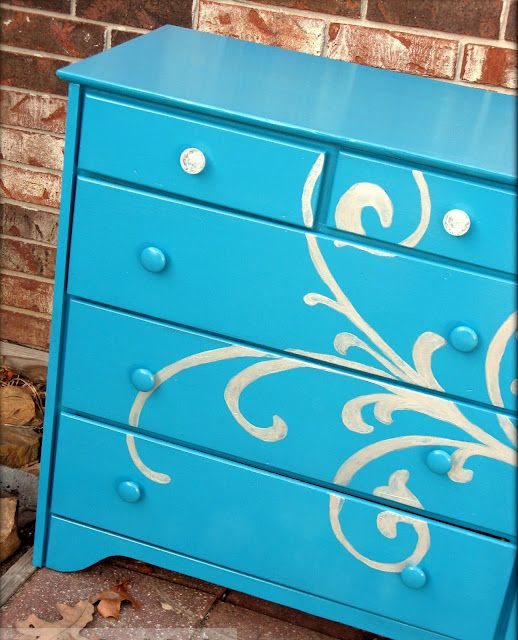 beautiful stenciled dresser #DIY