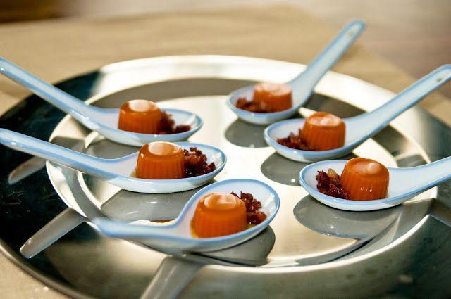 Cucharitas de gelatina de gazpacho con jamón