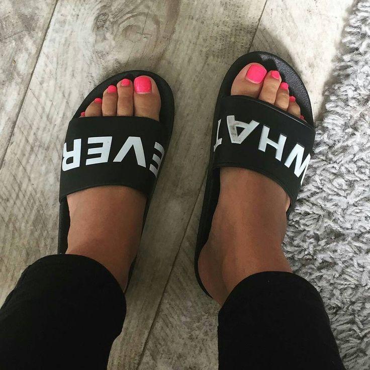 """21 To se mi líbí, 2 komentářů – Footmodel Shoutout (@footmodelshoutout) na Instagramu: """"#cutefeet #toes #pedicure #ayak #pedikür #footmodel #footfetish #selfoot #peeptoes #feet #foot…"""""""