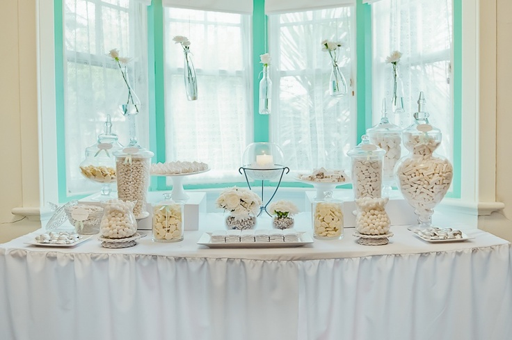 Sweets bomboniere table in beautiful vintage style by LP Events