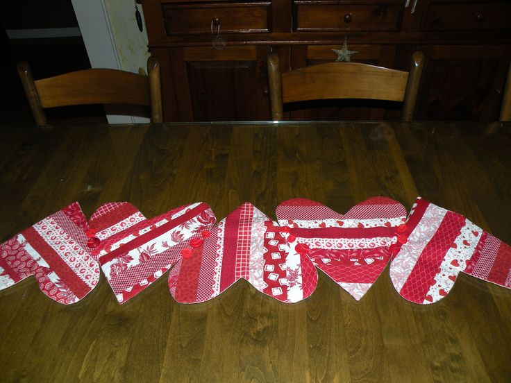 The 25 best contemporary table runners ideas on pinterest for Diy valentine table runner