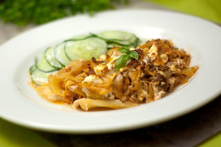 Der Weißkrautauflauf ist ein einfaches aber sehr leckeres Gericht. Ich empfehle es, wenn man noch einen Weißkohl übrig hat und noch eine Idee dafür sucht.