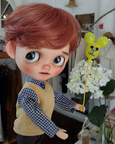 Hey!...Who want a cute balloon? #blythe #blythedoll #blythecustom…