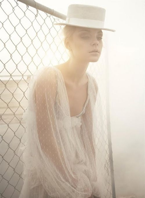 Simply Stunning.  #fashion #editorial #naturallight