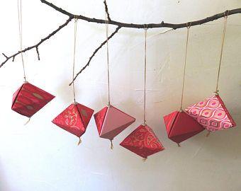 Lot de 6 origamis, nuances de rouge, boules de Noël, décoration de Noël, cabochons métal