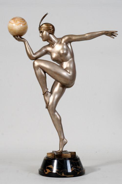 "Art Déco Sculptures (Victor Arwvas) with the name ""Stella""."