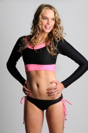Pink/black shortie rash guard work out clothes... Will be wearing this to the gym to pick up guys!