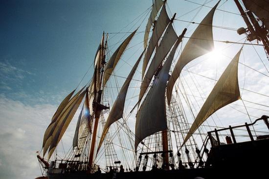 CF Weekend Playlist - Sailing Songs