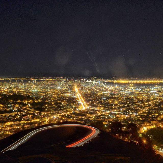 Long exposure of the night Skyline of San Francisco