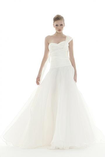 Vlečka na zem Na jedno ramínko Přírodní Levné svatební šaty
