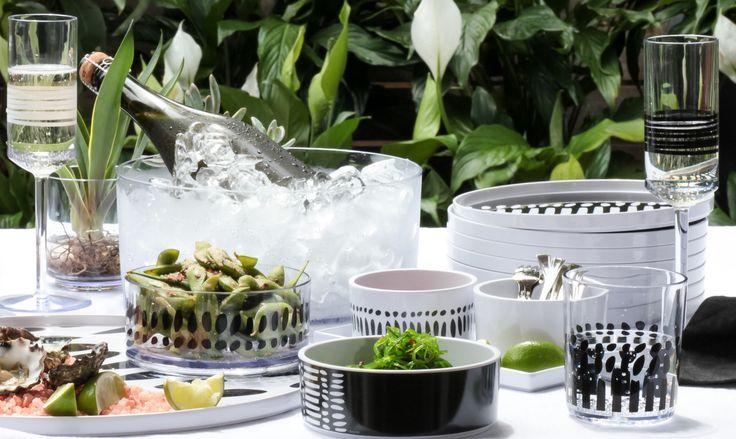 oysters & champagne on a black & white bzyoo setting #black #white #food #design #decor #homedecor #homewares #dinnerware #bzyoo