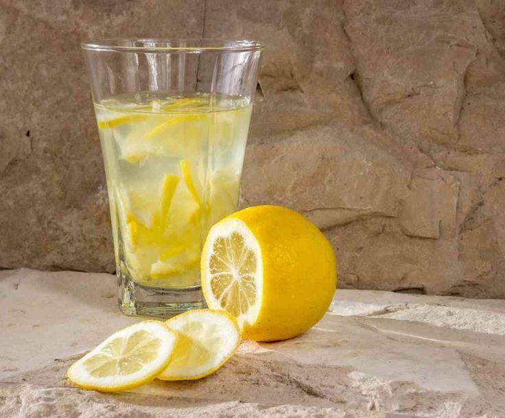 Hän joi sitruunavettä joka aamu, näin se vaikutti hänen kehoon. Lopputulos on uskomaton!