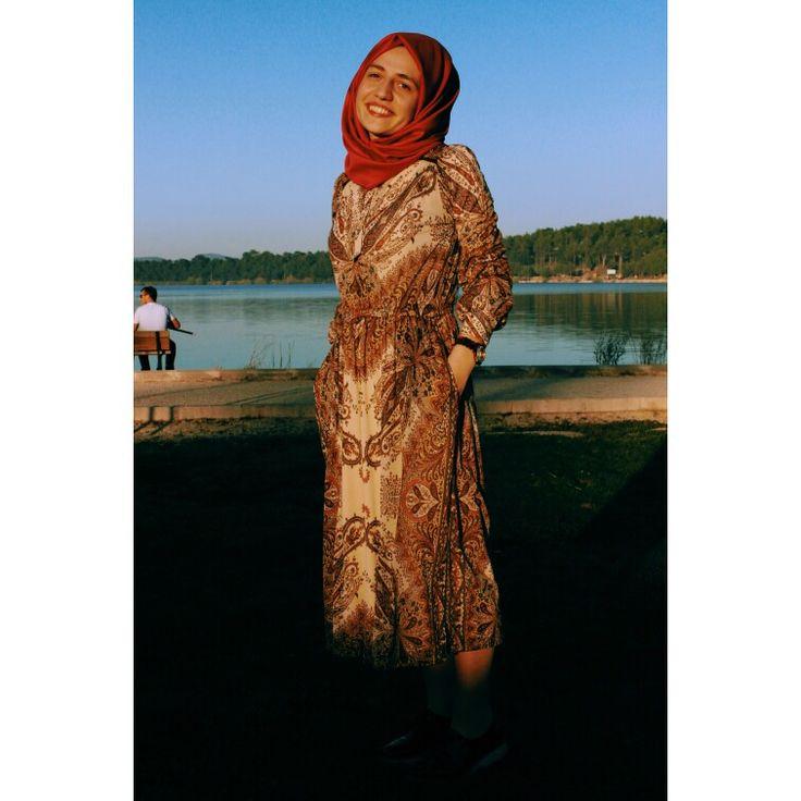 İnstagram: ireminnietemiz  #hijab #hijabers #dress #tesettur #etek #esarp #sal #tasarım #design #designer
