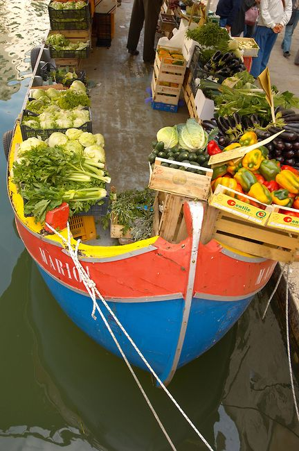 Fruit market on a boat - Campo San Barnarba - Venice Italy. Photo: Paul Williams