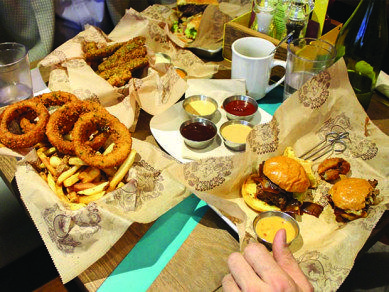 Here's where to get a great burger in North Jersey! http://anawcl.wordpress.com/2014/06/04/best-bergen-county-burgers/ #bergencounty #njdining #northjersey