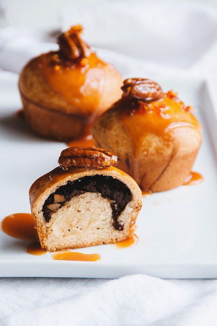 ... chocolate pecan brioche buns with salted caramel sauce ...