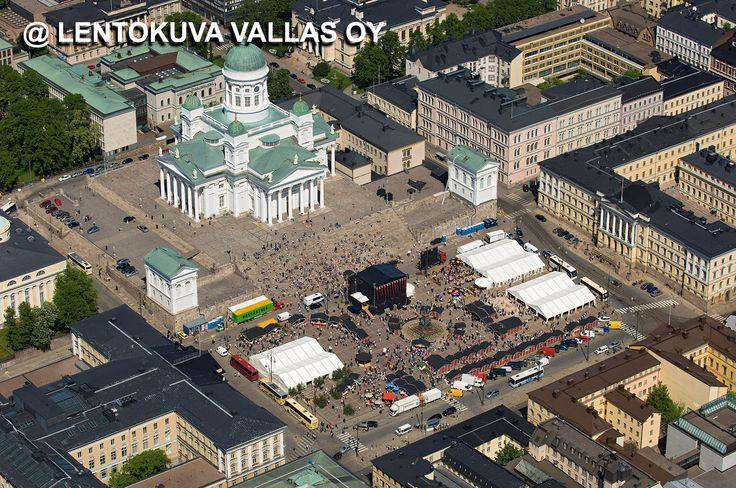 Helsinki, Helsingin tuomiokirkko ja Senaatintori Ilmakuva: Lentokuva Vallas Oy
