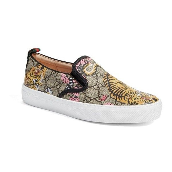 Women's Gucci Dublin Tiger Skate Sneaker ($495) ❤ liked on Polyvore featuring shoes, sneakers, beige multi, star sneakers, beige shoes, gucci trainers, gucci sneakers and decorating shoes