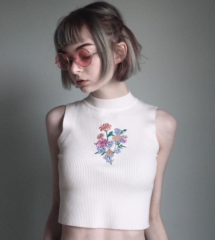 90s babe! Get it girl!!  soft grunge flower koko crop top! Material:Cotton,Spandex  S Length 42cm Chest 54 to 98cm  M Length 43cm Chest 59 to 100cm  Final Production in USA Design by koko, ®kokopie  Embroidery NJ, USA Ship from Philadelphia, PA USA  Shipping Time: USA 2-5 business days via USPS Worldwide 7-29 business days USPS,DHL,FEDEX,UPS  Processing Time: 24hours to 3 business days  https://www.instagram.com/kokopie_shop/