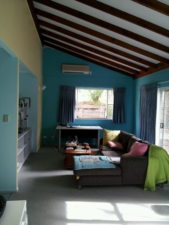 living room teal and yellow k teal wall next to tan you can swing that teal yellow. Black Bedroom Furniture Sets. Home Design Ideas