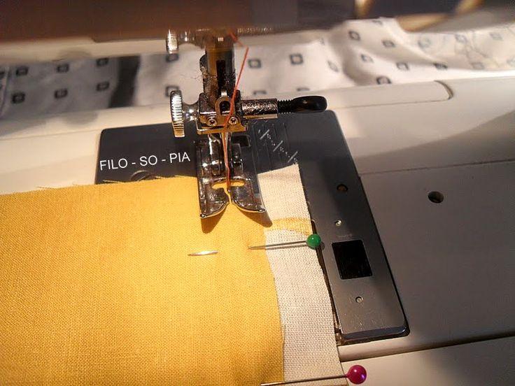 Q uando abbiamo bisogno di unire due tessuti con una cucitura resistente e vogliamo un risultato pulito anche a rovescio (non vogli...