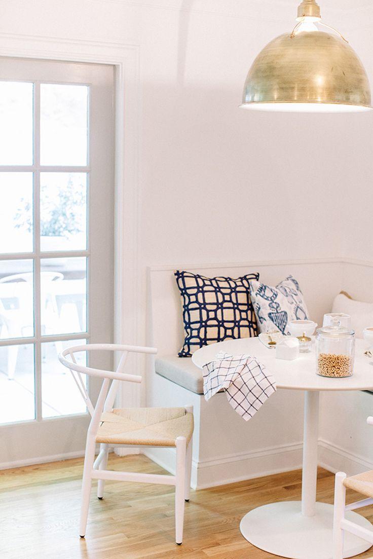 Best 25+ Corner breakfast nooks ideas on Pinterest | Dining booth ...