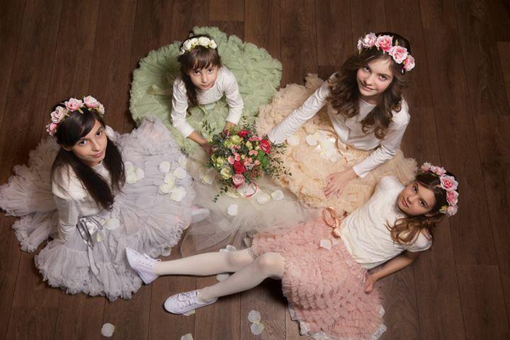 A Dolly by Le Petit Tom igazi hercegnőket varázsol a kislányokból és Dívákat a nőkből.Ha te is imádod a divatot, szereted a különleges és exkluzív ruhákat, látogass el a Wedding Pop-up Bazárra!  Helyszín: Bródy Studios 2015. június 06-án 10 órától! Várunk szeretettel!