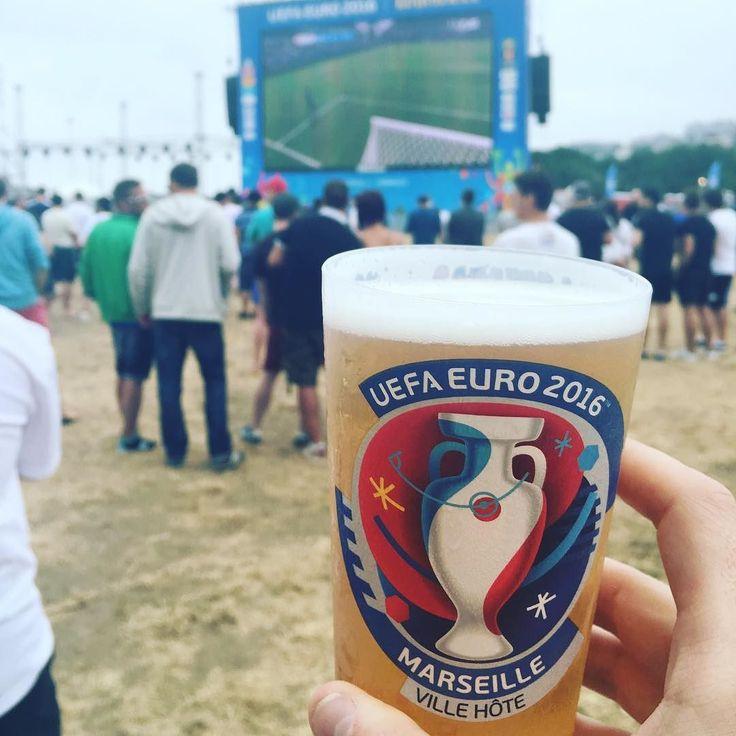 Fan zone time for England - Wales ! #engwal #marseille #fanzone #euro2016 #prado #plageduprado #beer #carlsberg #uk #bollaert #