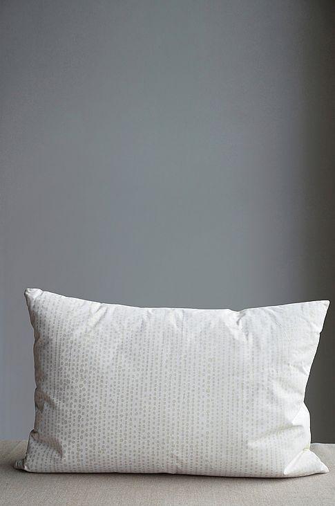 Dekoration hos Ellos till bra priser. Dekorera ditt hem med säsongens populäraste inredningsdetaljer. Handla dekoration enkelt online hos Ellos.se!