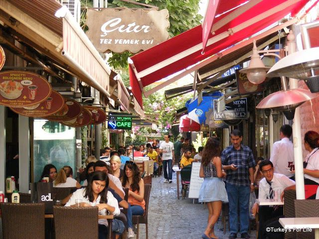 Bars & Cafes of Alsancak, Izmir. http://www.turkeysforlife.com/2013/02/izmir-side-streets-of-alsancak-sokakta.html