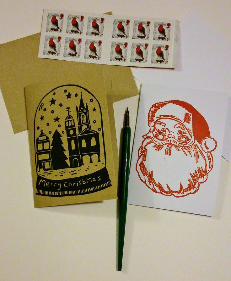 Writing #Christmascards to my #overseas friends before last #post dates! There's still time to order my #originalprint #linoprint #cards directly or via Etsy (link in bio). #Christmas #linocut #printmaking #HandmadebyHaggy #Santaclaus #fatherchristmas #saintnick #hohoho #snow #globe #Faversham #town #marketsquare #Kent
