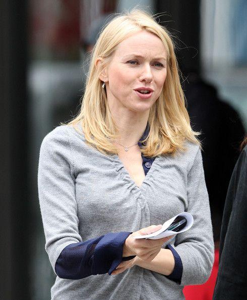 Naomi Watts Actrice Naomi Watts is gespot op de set van Haar Nieuwe film 'Fair Game' in Het Meatpacking district in New York.