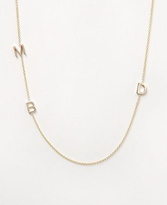 Love this letter necklace from Maya Brenner. You can have just one letter, two, three, four or five. Have your first initial or first and last. Or the initial for each of your kids or family! Love! #uniquegifts #mom #luxe