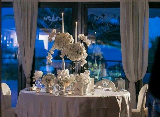 Magia, incanto, emozione...Atmosfere fatate di un wedding day da sogno pieno di eleganza e di candore