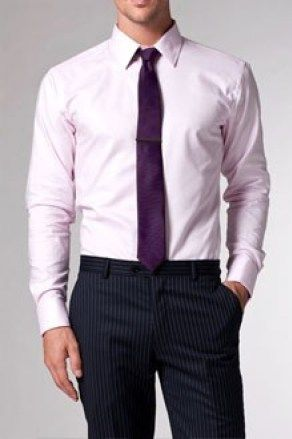 Combinar no siempre es fácil y menos cuando se trata de un colorun pocotemido por los hombres. Se trata del color rosa que halogrado abrirse paso en los looks masculinos hasta lograr ser un colo…
