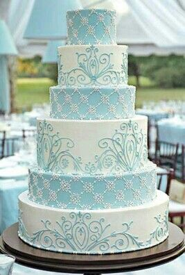 Beautiful pale blue and white wedding cake
