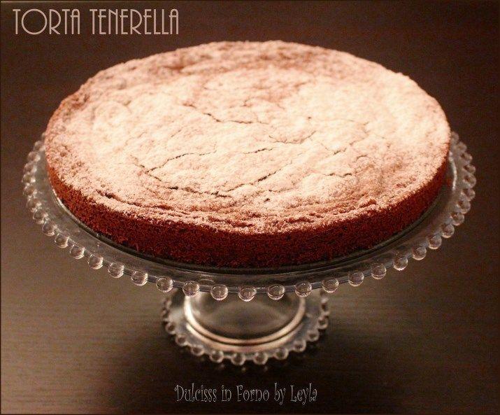 Una ricetta velocissima e facilissima donata dallo chef pasticcere Marizio Santin: la Torta tenerella. Una torta umida, golosa e morbidissima.