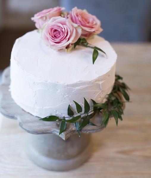 Raw Wood Scalloped Cake Stand