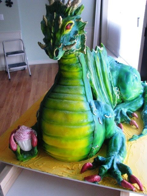 Dragon cake 4' long and 3' high