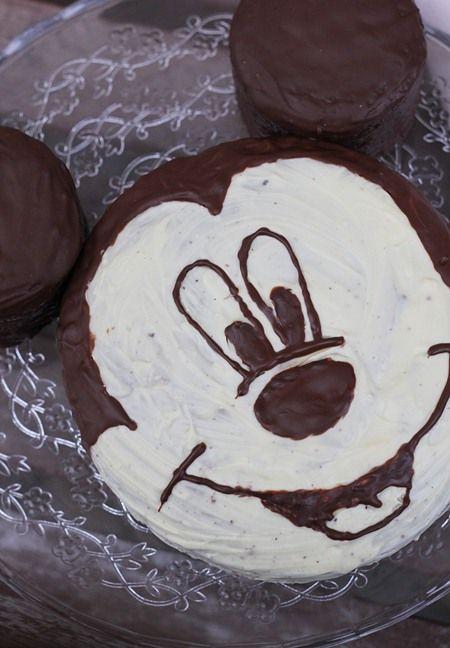 Glutenfreier Mickey Mouse Kuchen | eatbakelove
