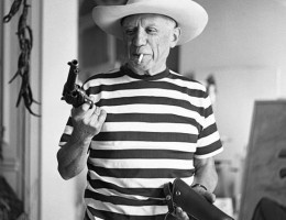 Picasso with Gary Cooper's Gun.: Artists, Cowboys Hats, Guns, Gary Cooper, Icons, People, Photography, Pablopicasso, Pablo Picasso