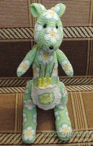 Crochet Kangaroo Tutorial & Free Pattern in another language but great diagrams