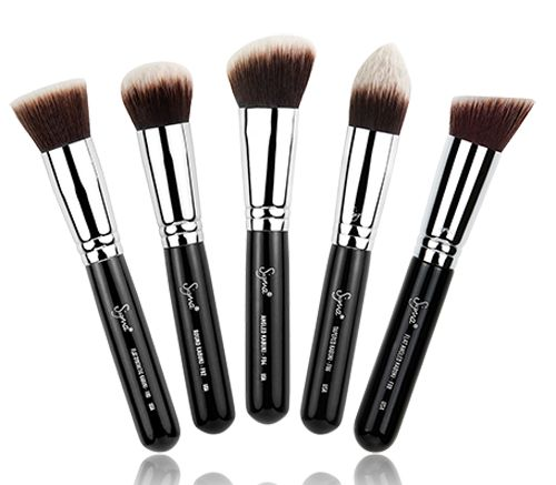 The NEW Sigmax Kabuki Kit contains five face brushes that allow a high definition, flawless makeup application. http://www.zocko.com/z/JFNMu