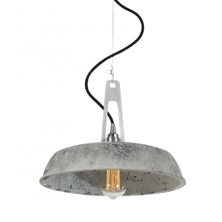 LAMPA Z BETONU W WYKOŃCZENIU DEKORACYJNYM, ODLEWANA RĘCZNIE Wybierz według swojego uznania detale, które wykańczają lampę. W zestawie z lampą jest podsufitka metalowa. Każda lampa z kolekcji Industriola może mieć również podsufitkę betonową w kolorze klosza, aby zamówić tak skonfigurowaną lampę, należy dodać betonową podsufitkę do koszyka.