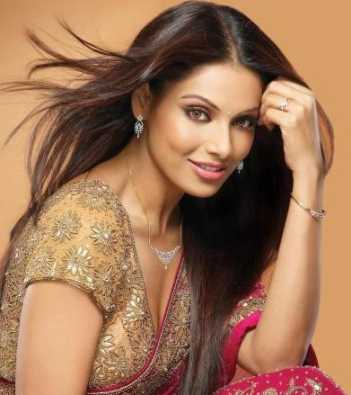 Bipasha Basu started her career in the Indian film industry in a negative role, a risk very few actors are willing to take. Despite a slow start, Bipasha is today a name to reckon with in Bollywood. We think she's a diva because Bipasha has seen enormous growth as an actor and is knows to essay women-centric roles and item numbers with equal ease. She's also helped women shift focus from mere slimness to fitness.