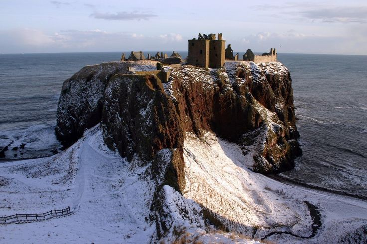 Даннотар - старейший замок Шотландии / Dunnottar Castle, Scotland