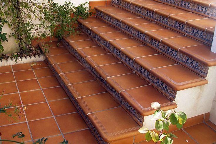 Escalera rodamanto detalle esquina cer mica para for Azulejos para patios exteriores
